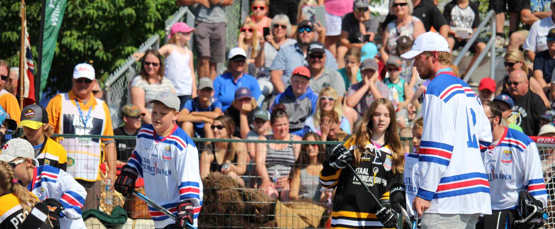 Eric Staal plays charity road hockey at Staal Foundation PGA TOUR Canada