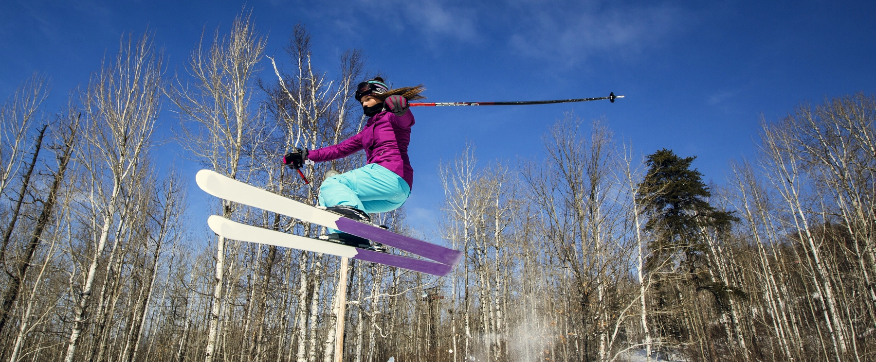 female skiing